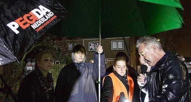Pegida në protestë  shfaq film fyes ndaj Islamit para xhamisë së Utrehtit