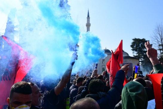 Gazeta e Vatikanit, shkrim për situatën në Shqipëri: tension politik, por jo si në '97-ën