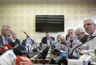 Thaçi nuk thotë asnjë fjalë për gylenistët, por fyen komisionin