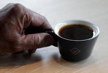 Kafeja më e shtrenjtë në botë: BBC bën eksperimentin nëse ia vlen të provohet (video)