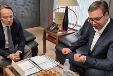 """Reagimi i ashpër i Prishtinës: ç'do """"Trashëgimia e Krishterë e Kosovës"""" në krah të Várhely-t?"""