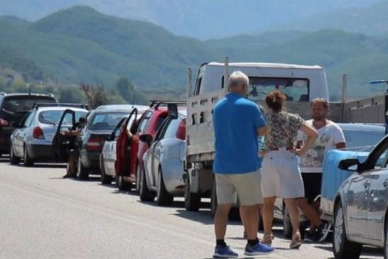 Policia e Shtetit: në radhët e gjata drejt Greqisë, edhe turq, amerikanë, francezë, britanikë…