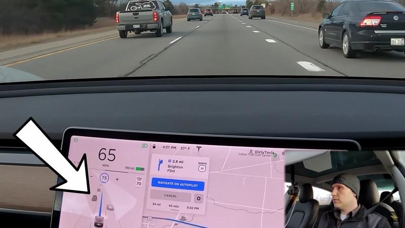 """Tesla Autopilot vylepšuje funkci """"Adaptive Lane Speed"""" pro automobily v sousedních jízdních pruzích"""