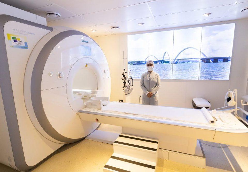 Ressonância magnética Tesla diagnóstico por imagem
