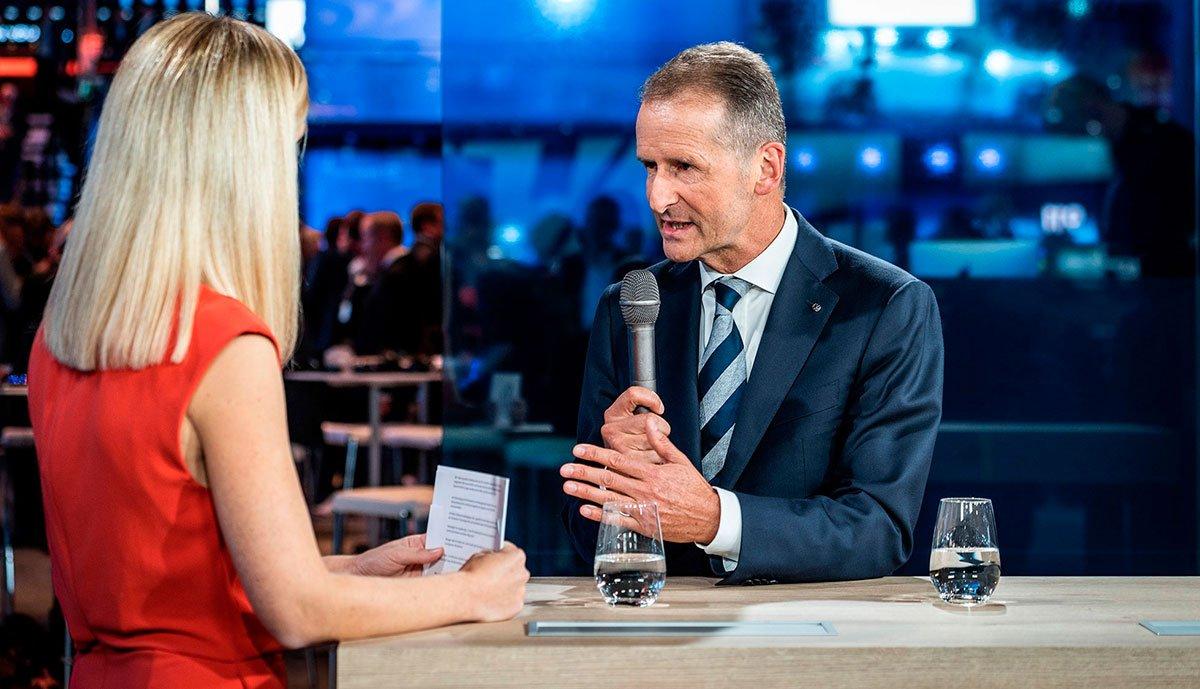 Volkswagen-Chef Diess nimmt Tesla vor Kritik von Journalisten in Schutz