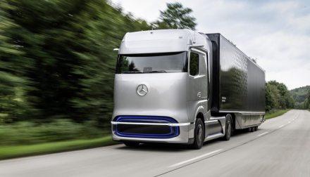 Daimler will Reichweite von Tesla Semi mit Wasserstoff übertreffen – aber nicht vor 2025