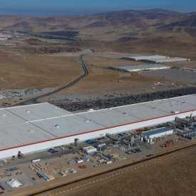 Panasonic et Tesla repensent l'expansion Gigafactory