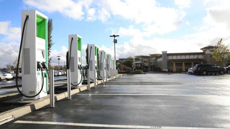 Electrify America перейдет на оплату за кВтч и многое другое