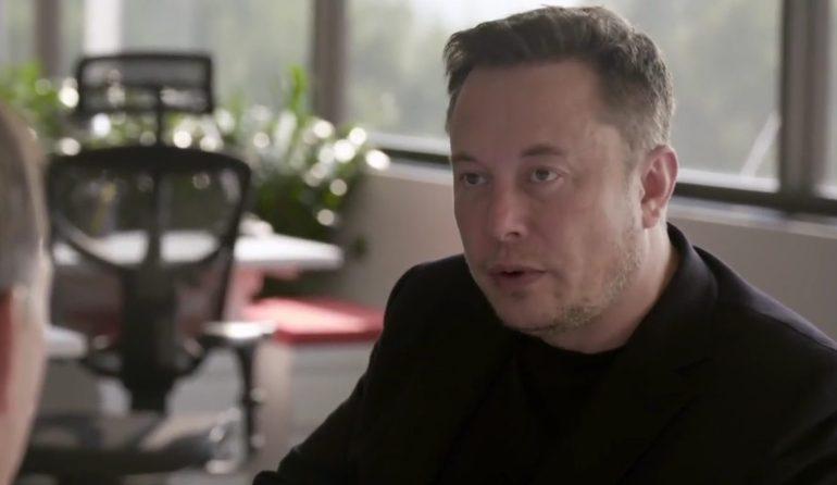 Илон Маск говорит, что Tesla пока останется в Калифорнии
