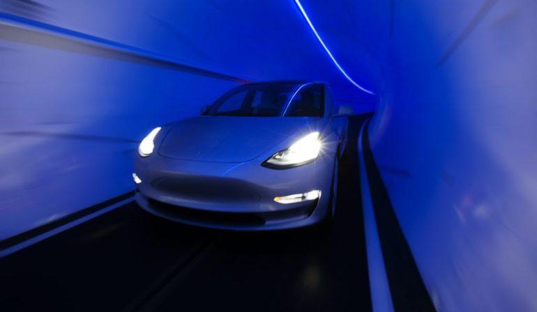 По данным моделирования, система LVCC Loop компании Boring Company может перемещать более 8000 человек каждый час.