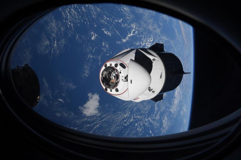 Запуск третьего космонавта Dragon Aces, стыковка с космической станцией
