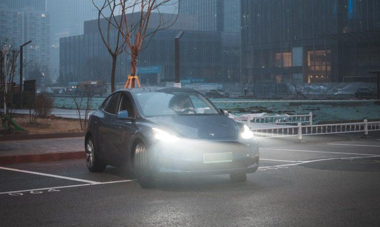 Tesla доминирует в экспорте электромобилей в Китай: 14 174 Model 3 из 25 845 местных продаж.