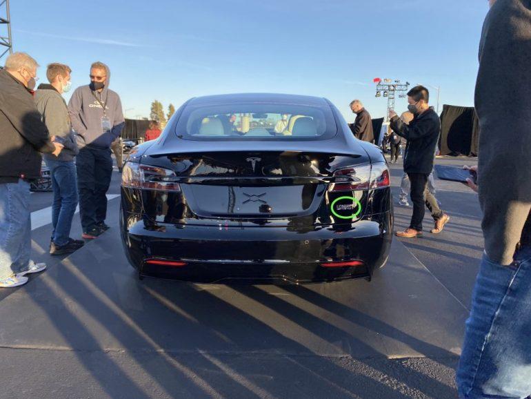Tesla запускает новую модель S с новым значком Plaid