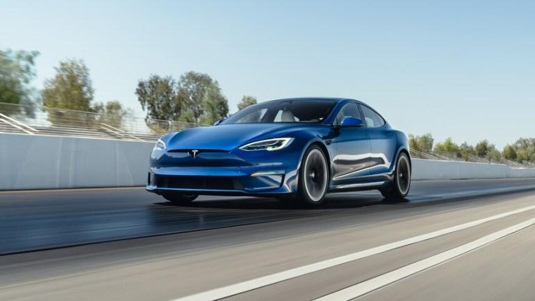 Владельцы Tesla Model S и Model 3 получают больше совпадений на платформах знакомств: исследование