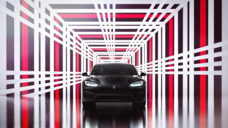 Сообщается, что Tesla возобновляет поставки Model S Plaid и Long Range