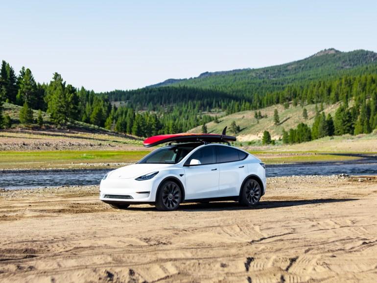 Tesla будет производить Model Y в 2021 году в Giga Texas и Берлине