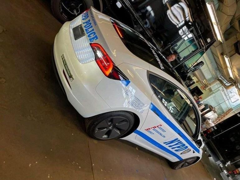 Tesla Model 3 становится новым членом полиции Нью-Йорка