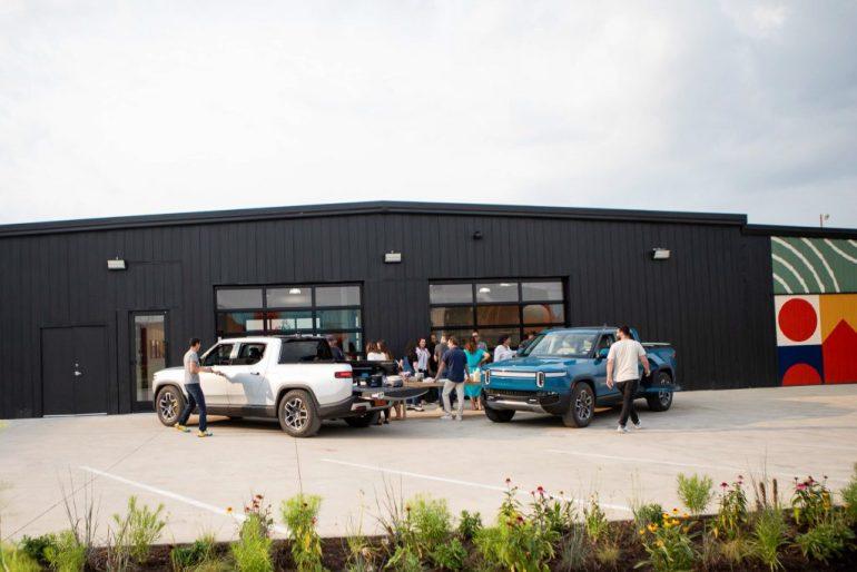 Rivian подает заявку на открытие своего первого центра доставки в округе Ориндж