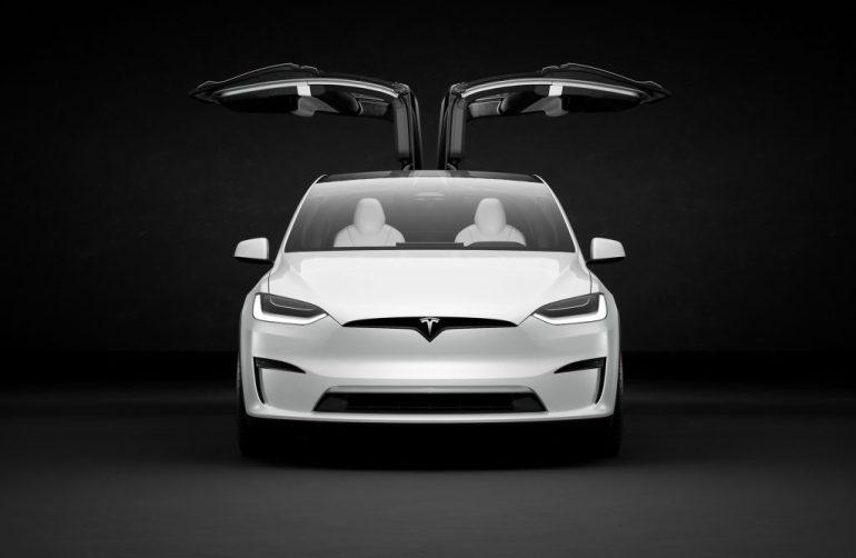 Копы подали на Tesla в суд из-за того, что за рулем был пьяный водитель
