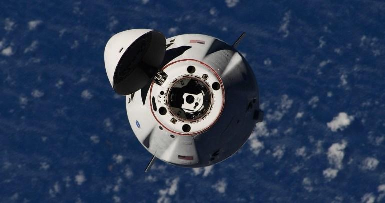 Космический корабль SpaceX отстыковался от космической станции для пятого орбитального выхода Dragon в этом году