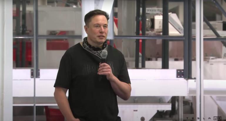 Маск говорит, что использование Tesla AI Day для набора персонала вызвало интерес у инженеров.