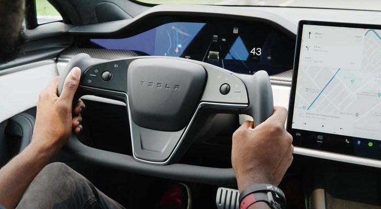Скандальная рулевая вилка Tesla Model S Plaid победила критиков