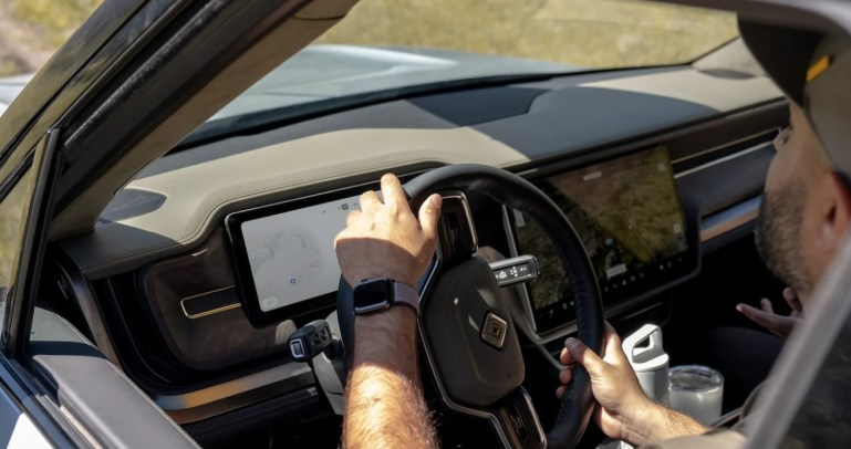 Заявки Rivian намекают на возможность автономного вождения за 10 тысяч долларов, подробности о подписке на программное обеспечение