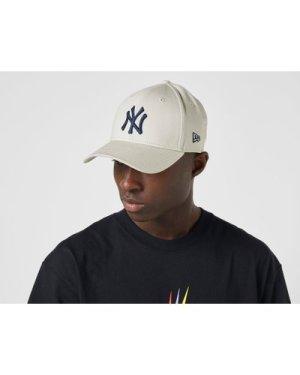 New Era MLB 9FORTY New York Yankees Cap, Brown/STONE