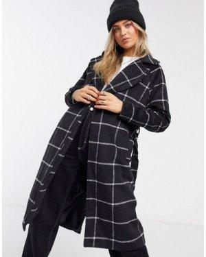 Liquorish wrap coat in black check