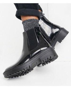 RAID Palma flat chelsea boots in black
