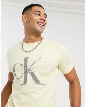 Calvin Klein Jeans vegetable dye monogram t-shirt-Yellow