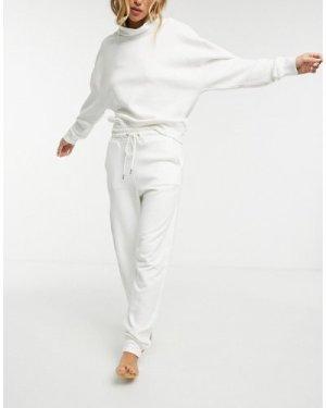 Lindex Jo organic cotton fleece joggers in off white