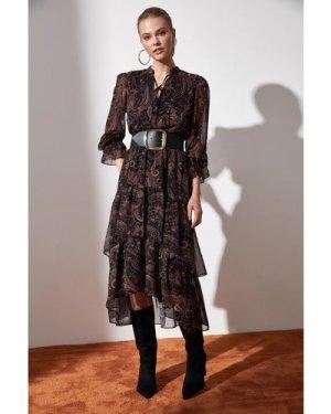 Trendyol Little Mistress x Trendyol Aztec Printed Tiered Midi Dress si
