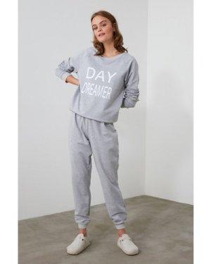 Trendyol Little Mistress x Trendyol Grey Day Dreamer Slogan Pyjamas si