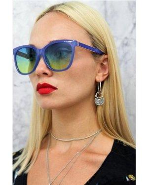 Cara Square Sunglasses In Purple size: ONE SIZE, colour: Purple