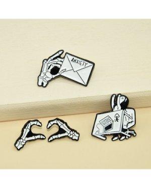 4pcs Skeleton Design Brooch