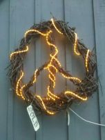 Tessa D'Agostino_lighted woven vine peace sign_3ftx3ft