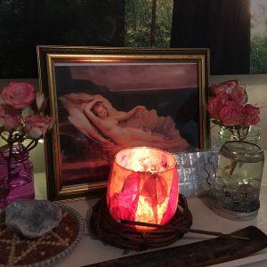 Tess Whitehurst-5 Altar-Worthy Love and Romance Divinities