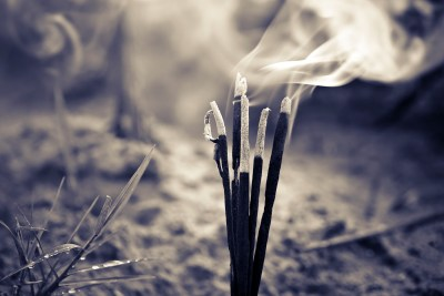Tess Whitehurst - Spells and Rituals - 10 Ways to Celebrate Samhain