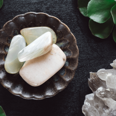 10 Crystals That Cleanse Your Aura