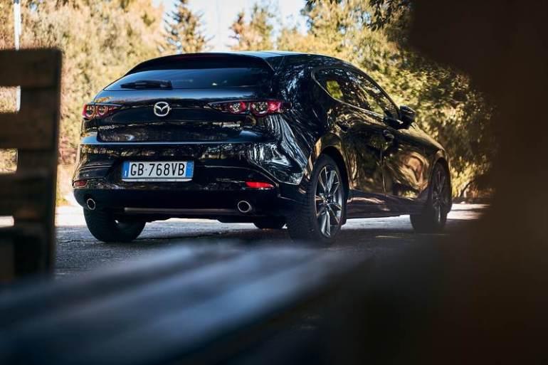 Vista da dietro Mazda 2021