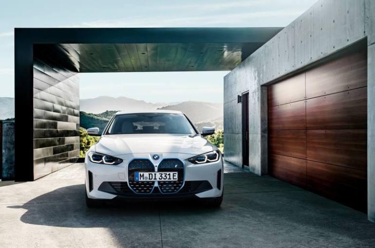 Doppio rene della nuova BMW i4