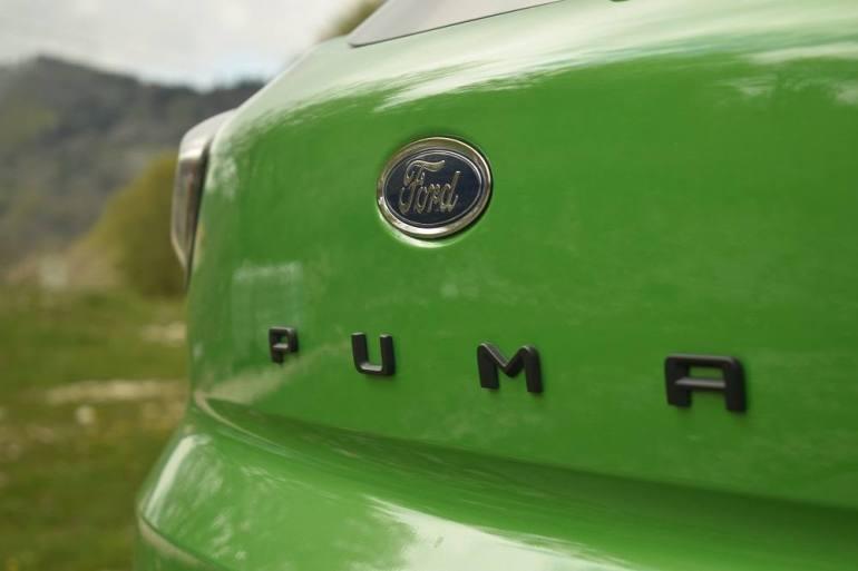 Lettering Puma