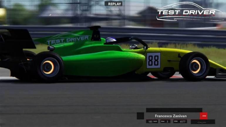 Francesco zanivan a Silverstone con Test Driver