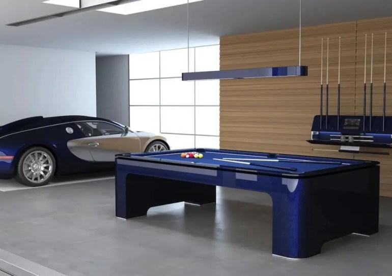 Giocare a biliardo con una Bugatti