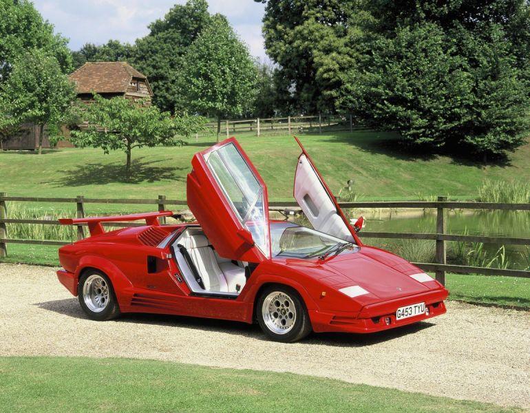 Lamborghini Countach apertura a forbice