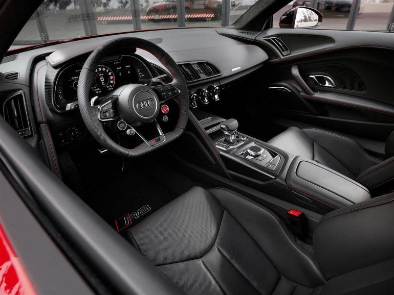 Interni Audi R8 con Virtual Cockpit