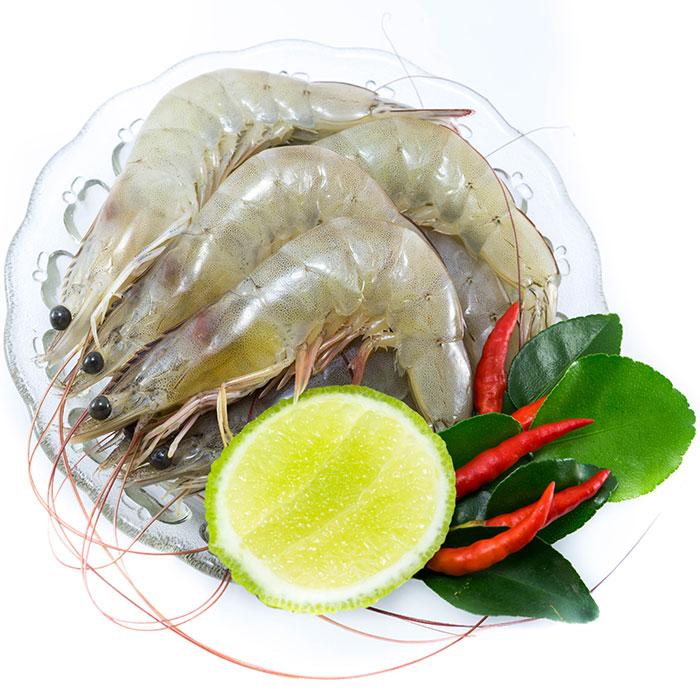 Fresh uncooked prawns