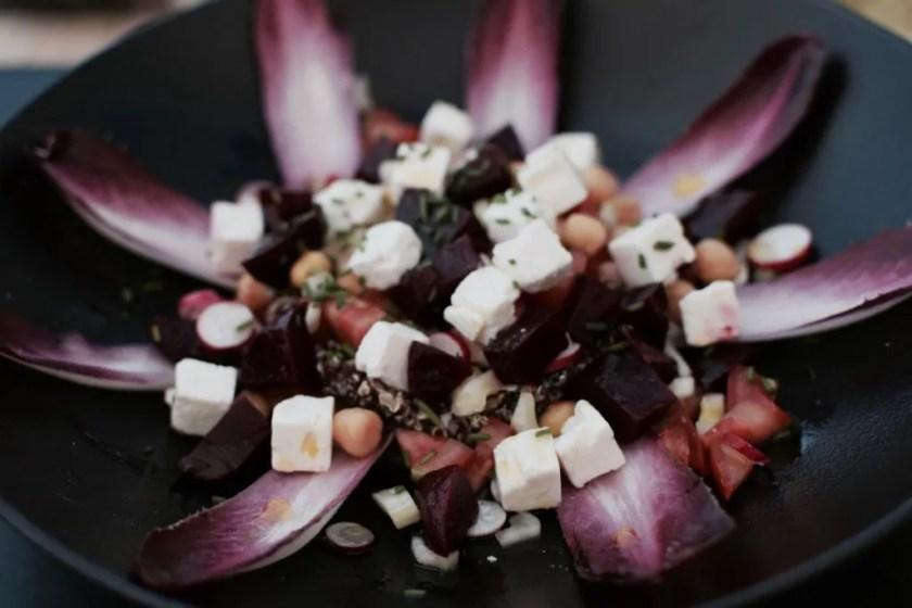 insalatina di quinoa, feta, ceci sedano, ravanelli, pomodorini datterini, cipolle rosse al Hotel Don Cesar in Corsica