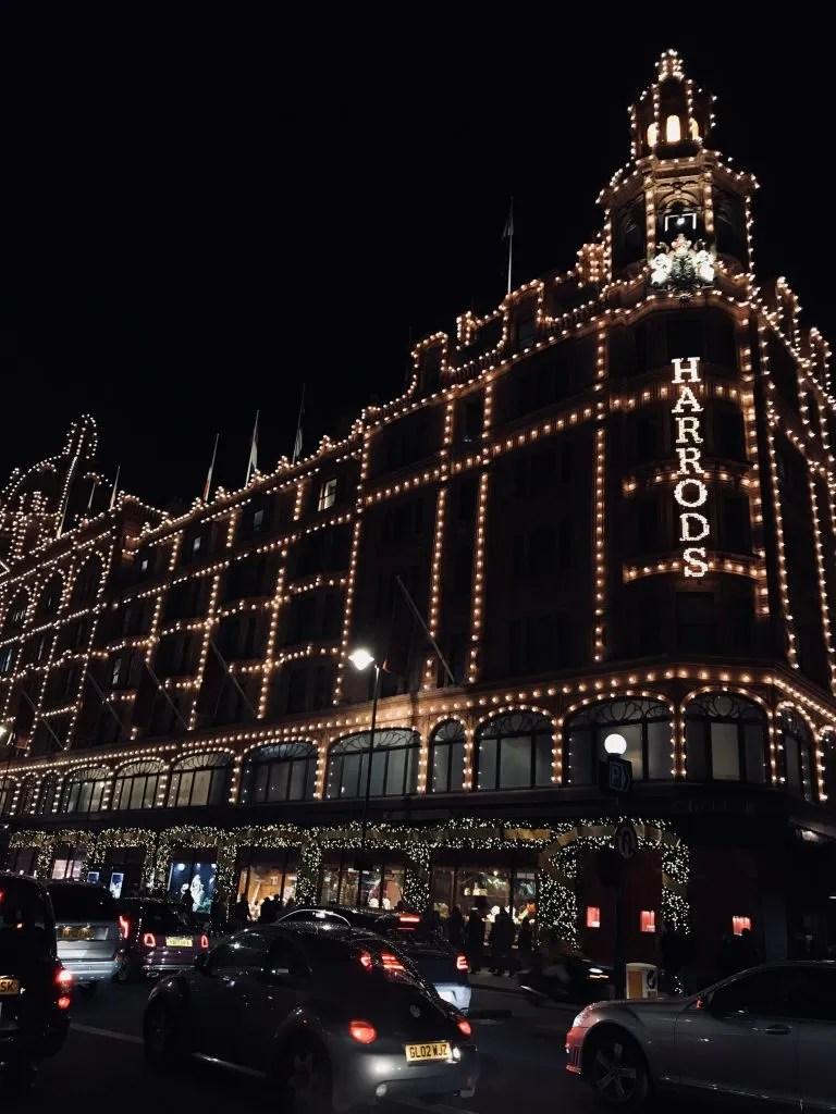 Decorazioni natalizie a Harrods di Londra
